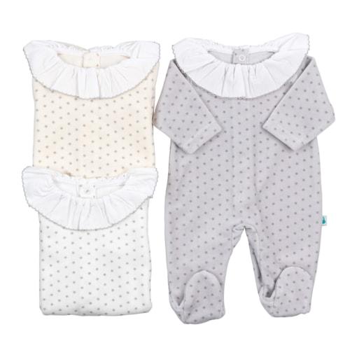 Babygrows de bebé em tecido laminado com gola em tecido.