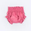Vista de frente de tapa-fraldas para bebe em bombazine cor de rosa.