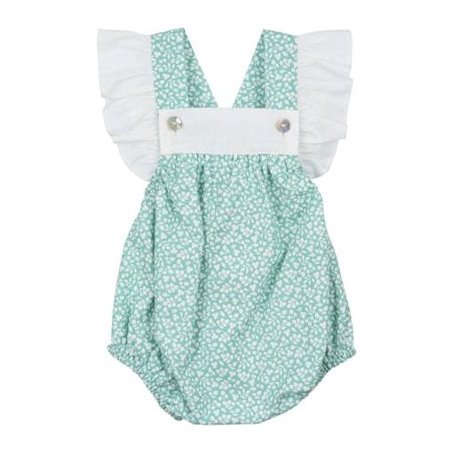 Fofo de bebé verde com flores brancas e com folhos nas alças.