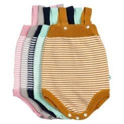 Fofo para bebé em malha de algodão às riscas.