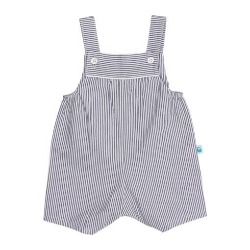 Jardineiras de bebé de perna curta em tecido às riscas brancas e azuis.