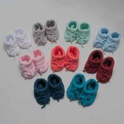 Sapatos e carapins de bebé em oito cores